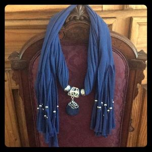 Accessories - Scarf with silver decorations